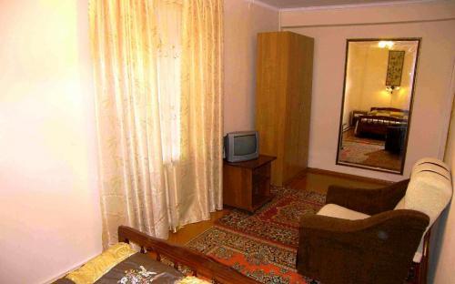 Вторая комната, 2-х комнатная квартира в центре Анапы