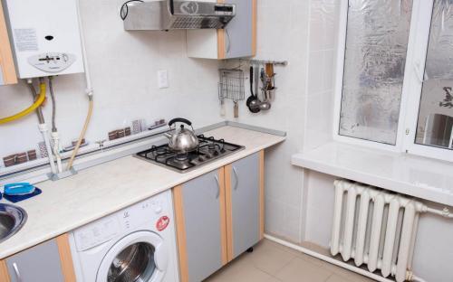 Кухня, 2-х комнатная квартира в центре Анапы