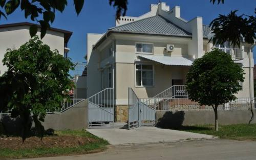 Часть дома под ключ по ул. Просторной Витязево