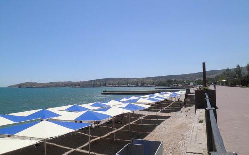 Отель Три сосны. Феодосия. Ближайший пляж
