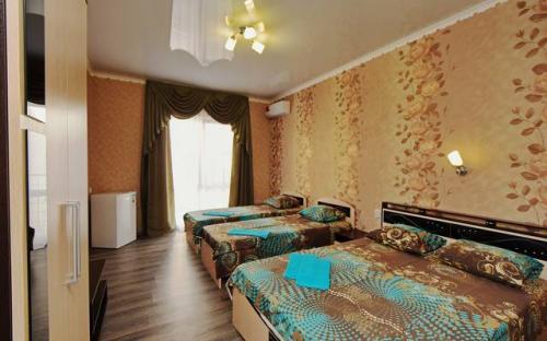 """4-х местный """"Стандарт"""", с кондиционером с балконом, Гостевой дом """"Абрикос"""" Кабардинка"""