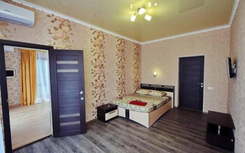 """2х комнатный """"Стандарт"""" с кондиционером с балконом, Гостевой дом """"Абрикос"""" Кабардинка"""