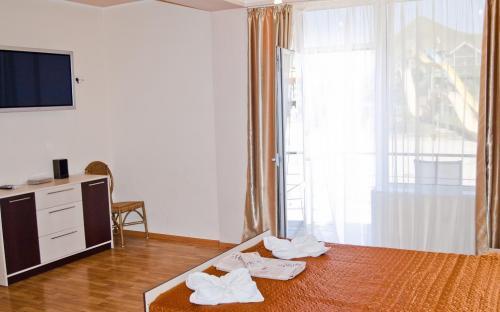3-х местный номер улучшенный - Гостиница Аквапарк Коктебель