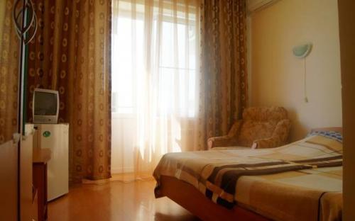 """Двухместный номер с балконом, Гостевой дом """"Белоснежка"""" - Кабардинка"""