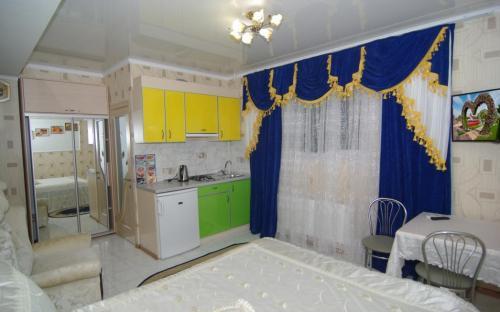 """Комната №2, Гостевой дом """"Champion"""" Алушта"""