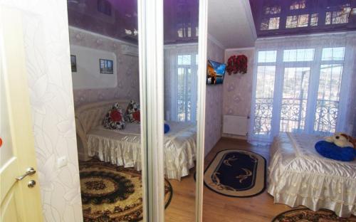 """Комната №5, Гостевой дом """"Champion"""" Алушта"""