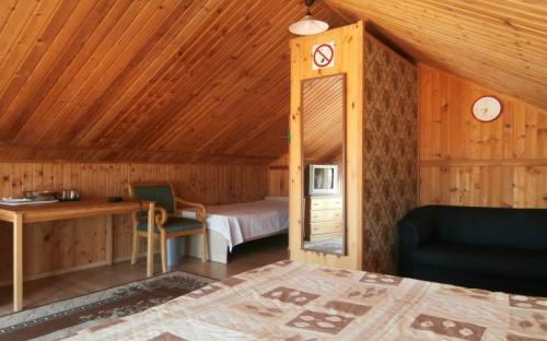 """мансардный 3(4)-местный номер стандарт, Мини-отель """"Горная долина"""" - Архипо-Осиповка"""