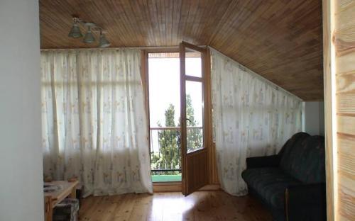 """Мансарда студия, Гостевой дом """"Кипарисовый рай"""" Алупка"""