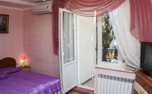 "2-комнатный ""люкс"" № 8, Мини-гостиница ""Лукоморье"" Алупка"