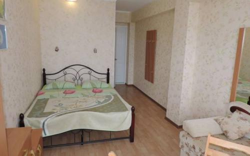 Двухместный номер с удобствами на 3-м этаже, Гостевой дом на ул. Никитина, Гурзуф