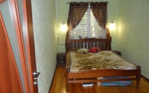 Трехкомнатная квартира с видом на море, Алупка