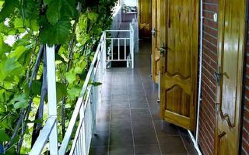 Гостевой дом на Самбурова 10 Анапа
