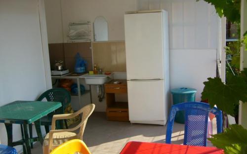 кухня на террасе (увитой виноградом), 2 этаж