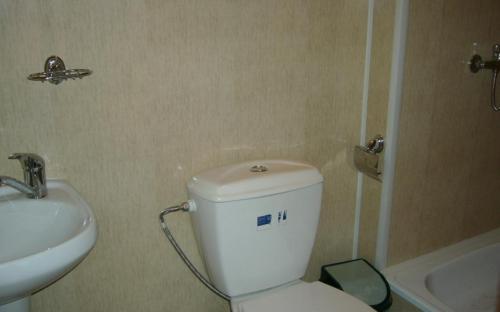 3-хместный номер на втором этаже (стандарт) с вентилятором