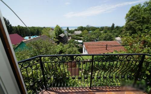 """Двухкомнатный номер Люкс с балконом, Гостиница """"Надежда"""" Аше"""