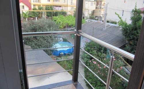 Номер повыш. комфортности на 2−3чел. с балконом.